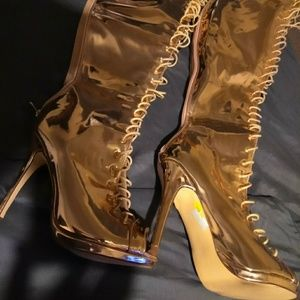 Shoes - Thighhigh shiny gold open toe  boots